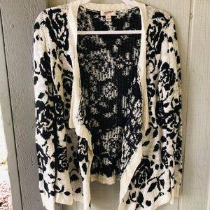 3/$20 🍁 Size M. Fall/Winter Rose cardigan